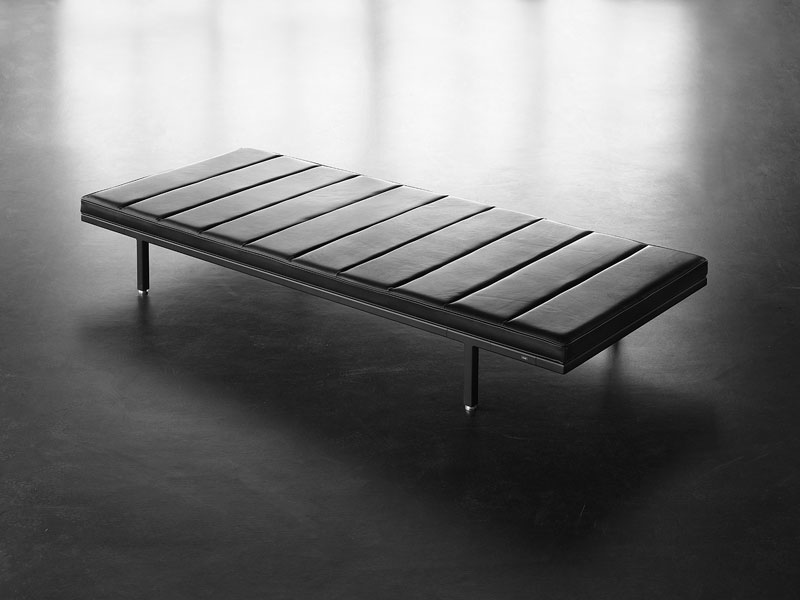 DESIGNINFO-Vipp-Daybed1