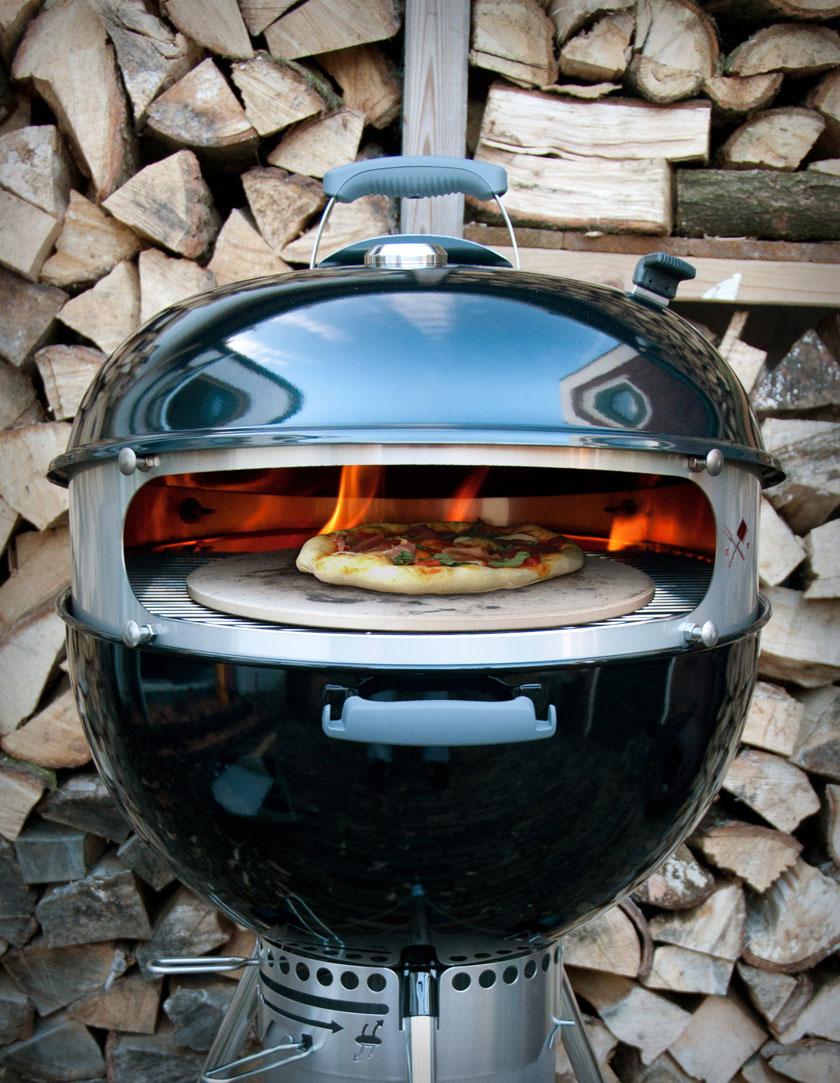 De Pizzaring van Barabiku bootst een echte pizza oven na.